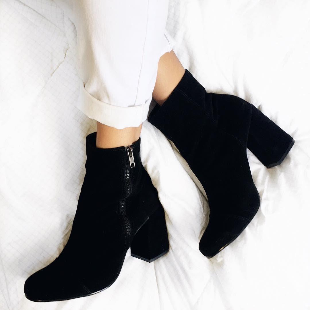 13be163fe6 bota cano curto. bota preta. bota salto médio bloco. foto tumblr.   tallitalisboa.