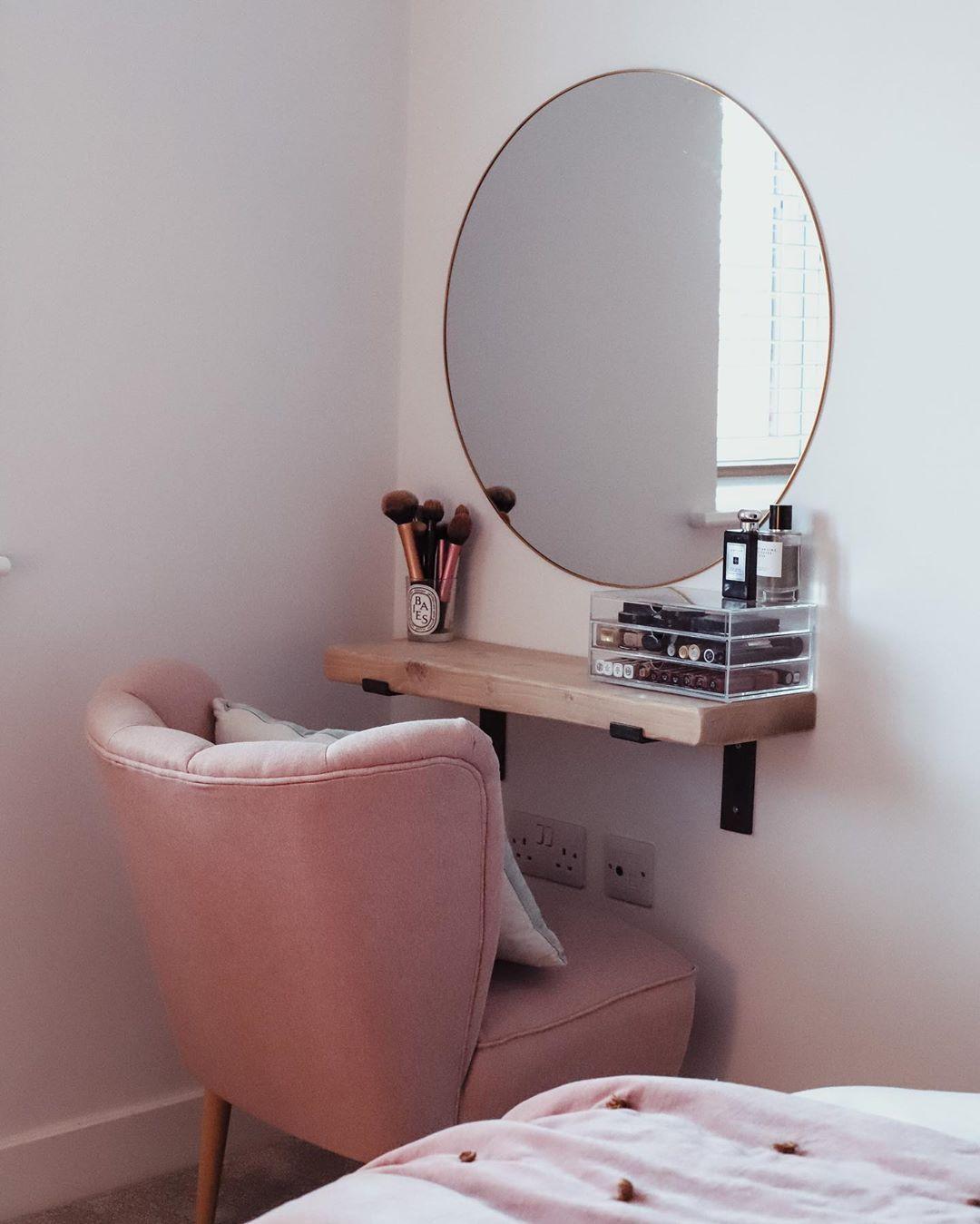 Tocador Recamara Pequena In 2020 Bedroom Decor For Couples Room Decor Bedroom Decor