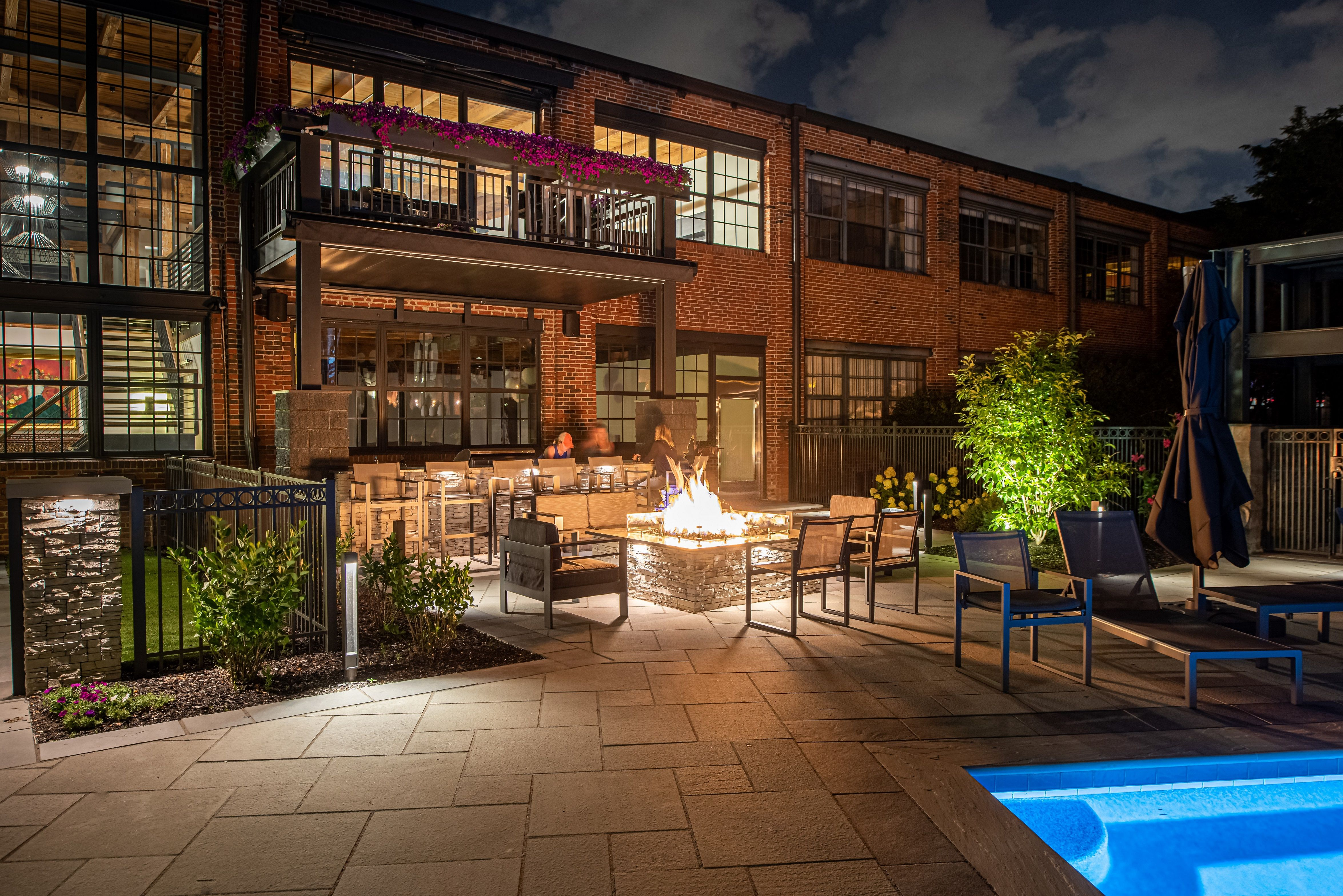 Click the photo to read Vive Exterior Design's article ... on Urban Living Outdoor id=15704