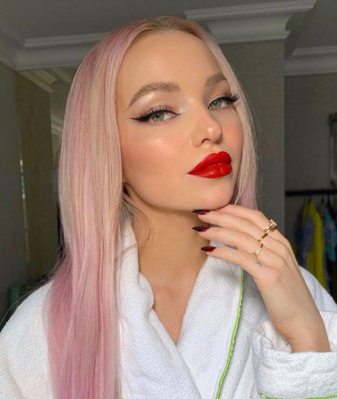 Dove cameron pink hair dovelie chloe celeste hosterman new