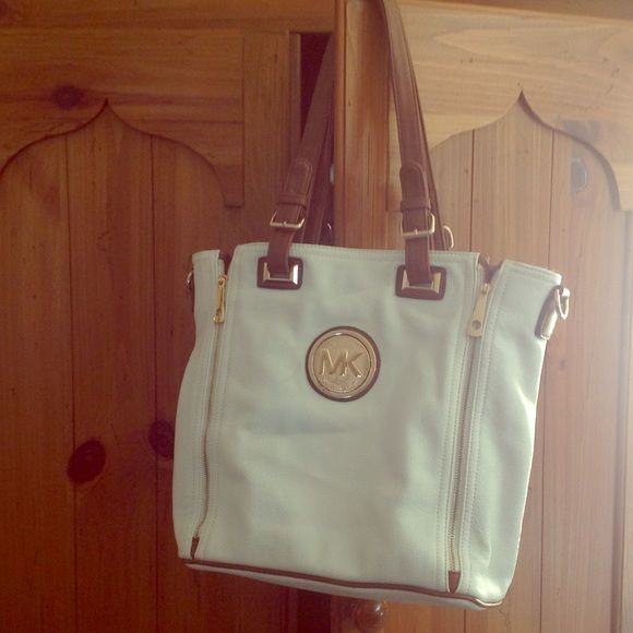 Michael Kors not authentic bag This is not authentic,but a very nice tote Bags Totes