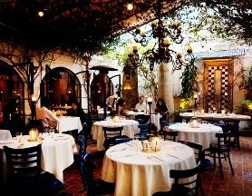 14 Romantic Restaurants In Los Angeles Romantic Restaurant Budget Wedding Venue Wedding Venue Los Angeles