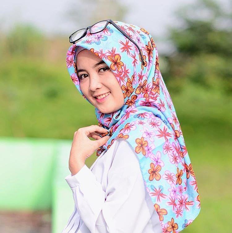 wanita hijabi #wanitadewasa | Muslim fashion, Hijab ...
