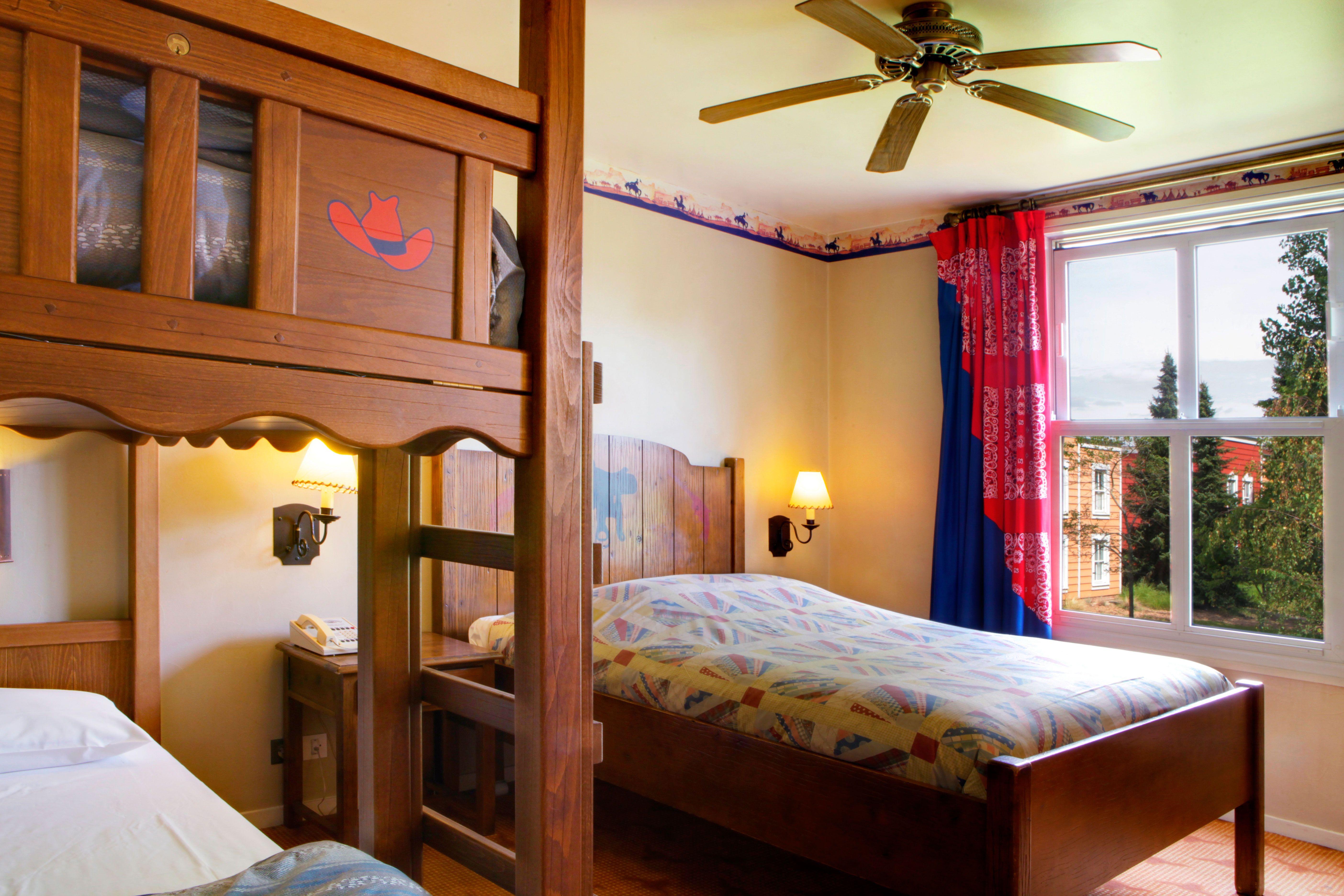 Disney Hotels Hotel Cheyenne Standard Room Disneyland Paris