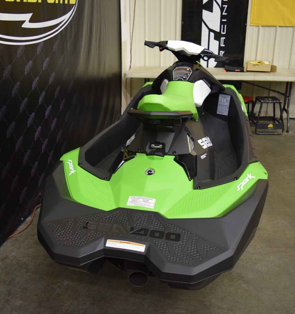 New 2016 Sea Doo SPARK 3UP ROTAX 900 HO ACE KEY LIME Jet