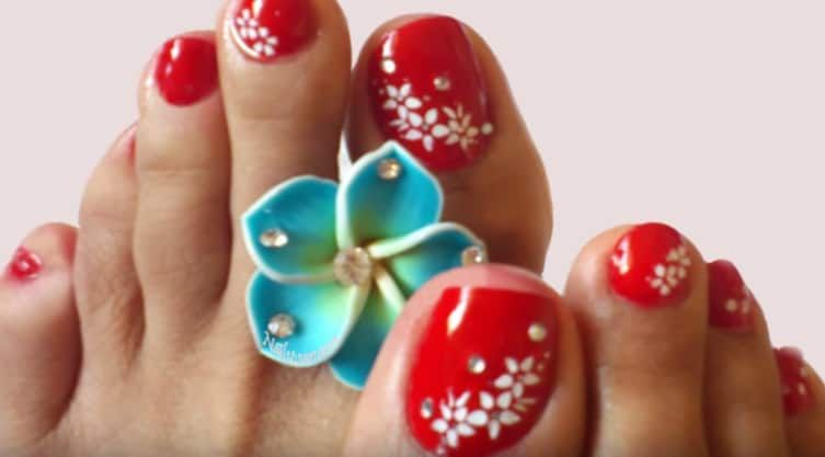12 Pretty Nail Art Designs For Those Toes! | nail art | Pinterest ...