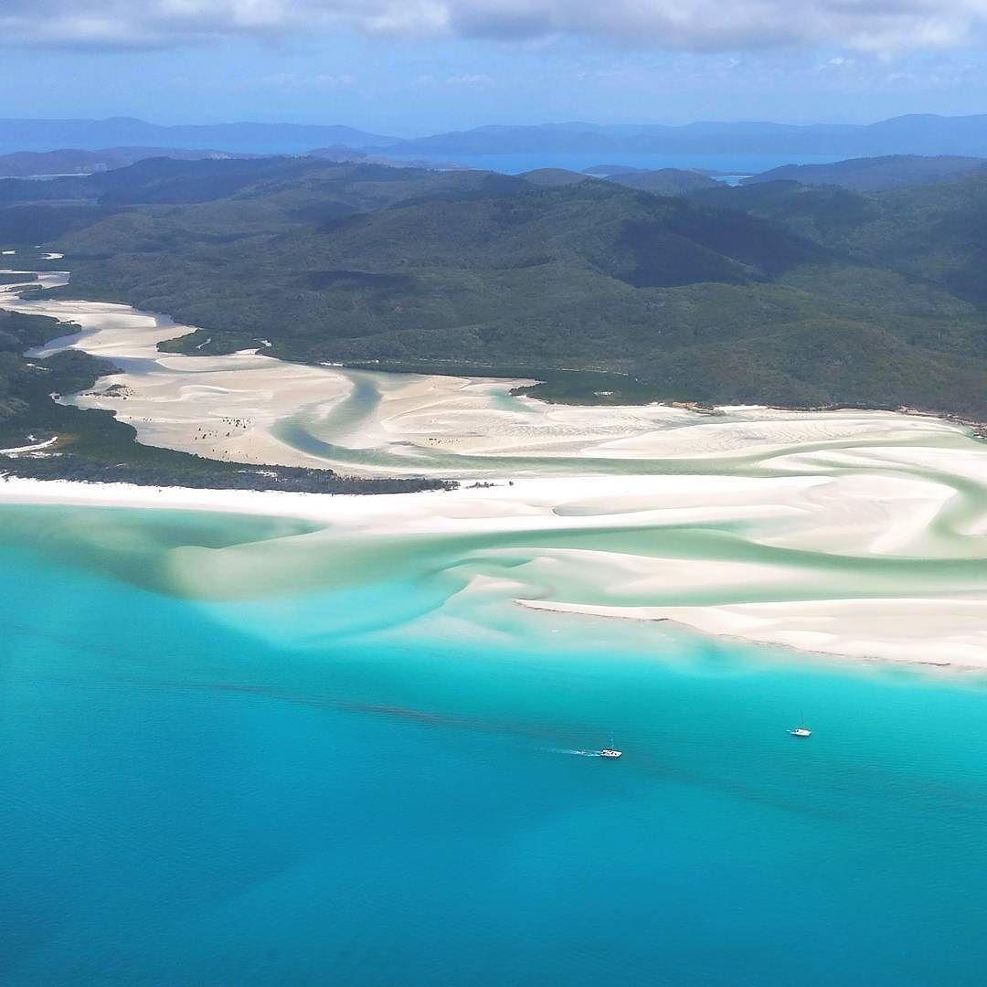 그레이트배리어리프 투어 중 잊혀지지 않는 풍경 하나. 힐인렛 뷰. 정말 신기하게 생긴 해변이다. An unforgettable view in the great barrier reef tour Hill Inlet outlook #australia #airleybeach #greatbarrierreef #hillinlet #trip #tripstagram #호주 #그레이트배리어리프 #힐인렛 by ssorala_ http://ift.tt/1UokkV2