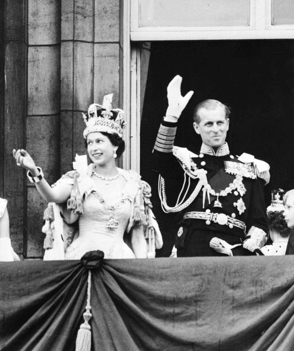 See Queen Elizabeth II from her inauguration 60 years ago