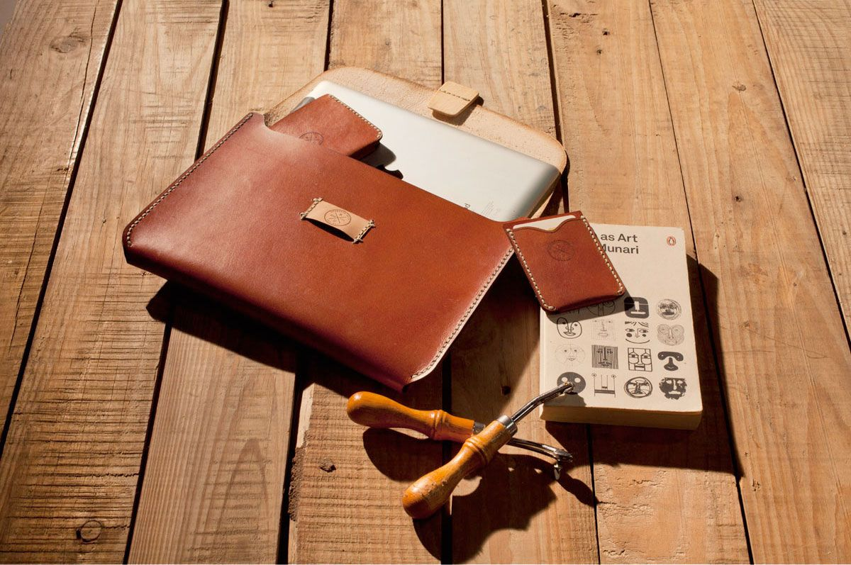 Research Unit - Artisan Leather Goods