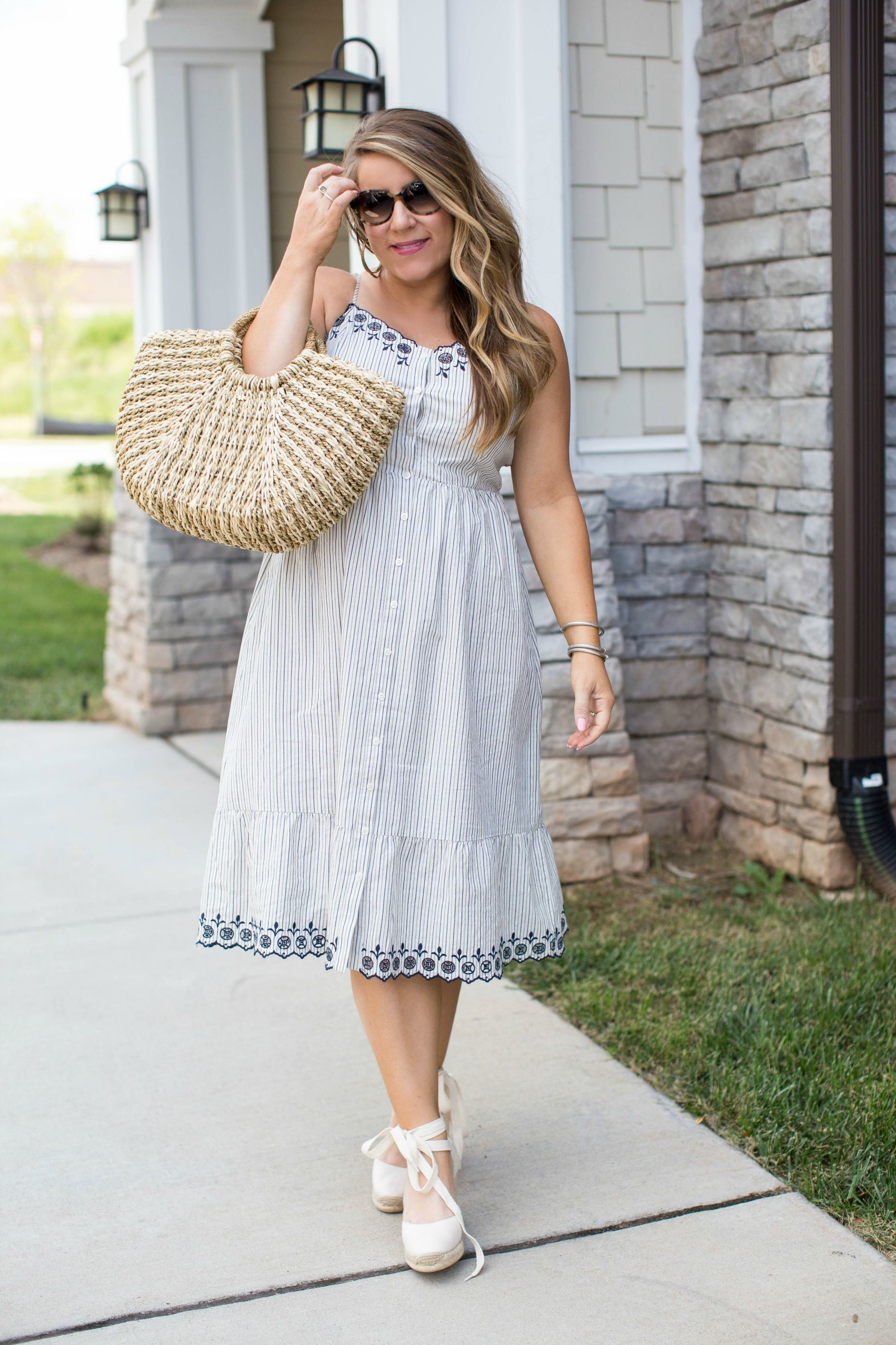 2019 year lifestyle- All outfit white inspiration some style tips
