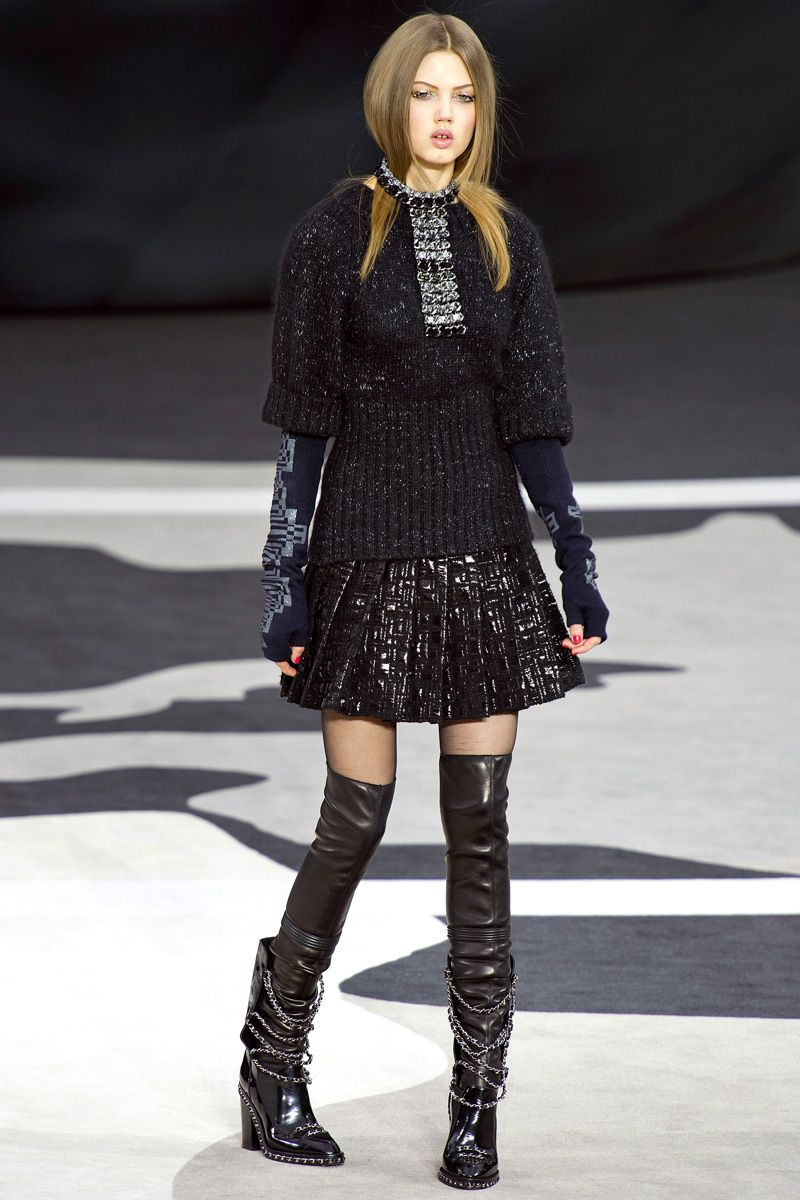 Chanel Fall 2013 RTW - Review - Fashion Week - Runway, Fashion Shows and Collections - Vogue