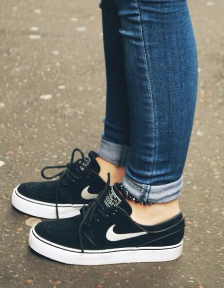 buy popular 64c11 0972e Nike Janoski   Hair   Beauty   Pinterest   Zapatos nike, Zapatillas ...