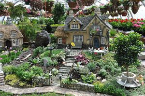 Now I'm sure this isn't the whole mini garden as some of it is cut from the photo. But you can see how elaborate these mini gardens can really get.