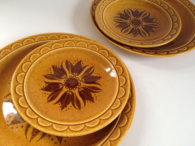 8 piece GOLDEN HARVEST dinnerware set, 4 dinner & 4 salad plates, Homer Laughlin Sheffield Granada 1970s. $40.00, via Etsy.