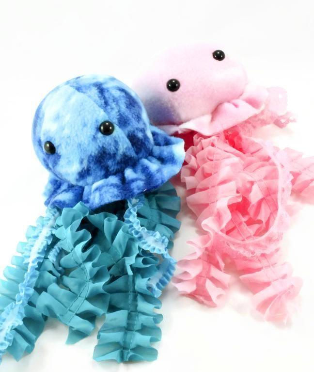 Jellyfish Plush Sewing Pattern by BeeZeeArt - Craftsy