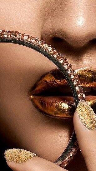 Makeup; Artistry