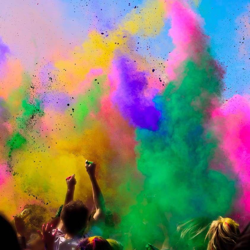 3 Fonds D Ecran Couleurs En Fusion Pour Iphone Et Ipad Holi Festival Of Colours Holi Colors Holi Festival