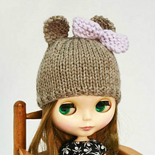 Blythe doll bear hat with bow knitting PATTERN by AnneArchy