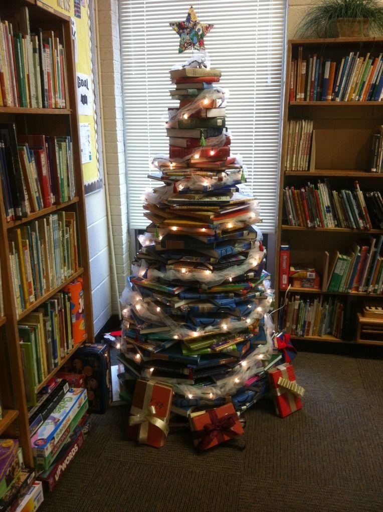 Tiawllc S Image Library Decor Library Book Displays Christmas Activities