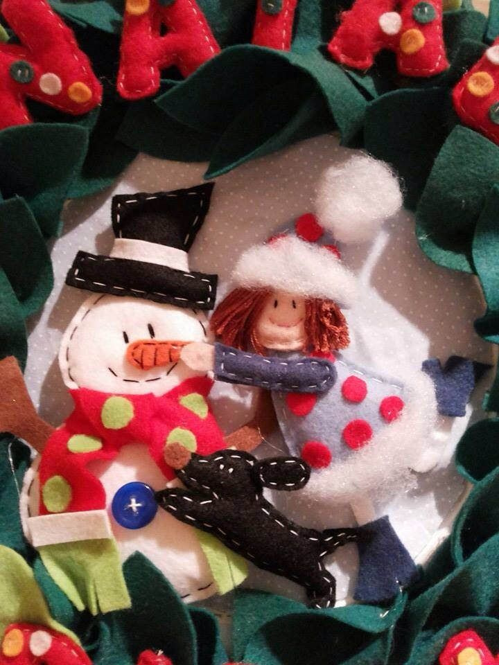 Guirlanda Natal feltro wreath xmas snow felt doll