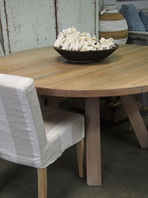 outlet store 2f334 8ff7e Round timber dining table round wooden dining table ...