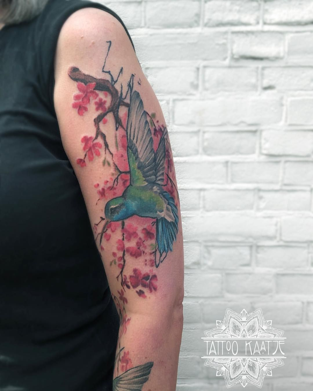 Marika Kaatje Op Instagram Did You Know The Hummingbirds Hum Because They Dont Know The Lyrics Hummingb Hummingbird Tattoo Tattoo Work Tattoos