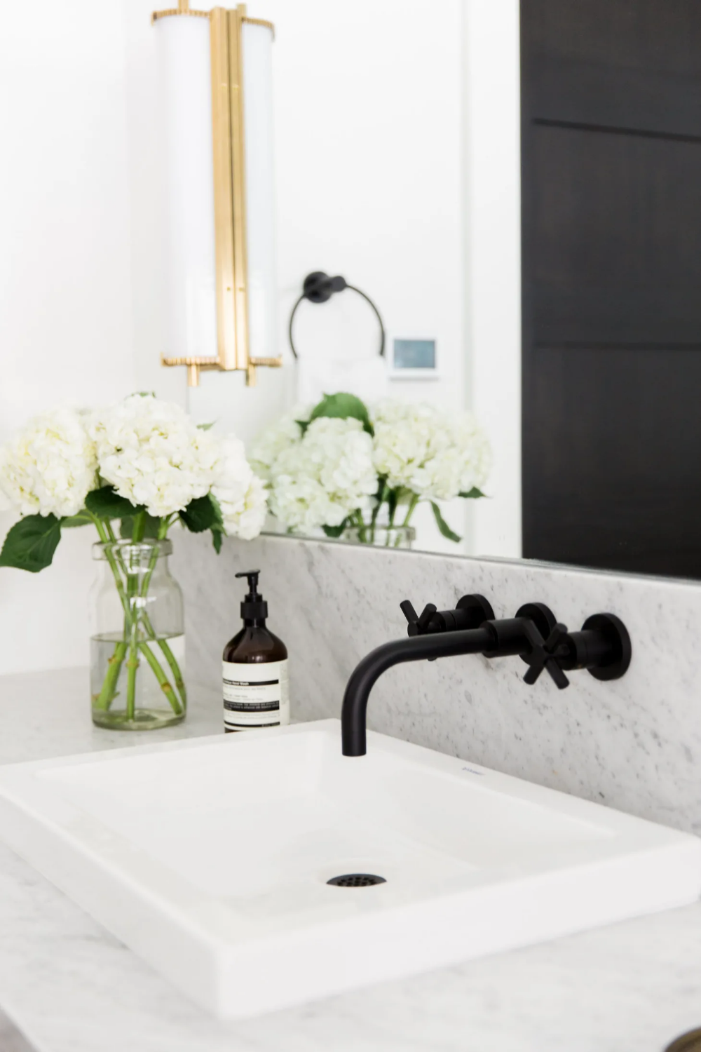 Photo of Find On-Trend Matte Black Fixtures For Less With This Shopping Trick