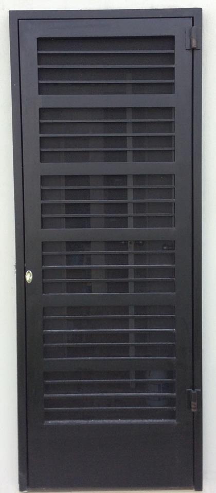 Puertas mosquiteras y corredizas herreria moderna for Puertas metalicas para patio