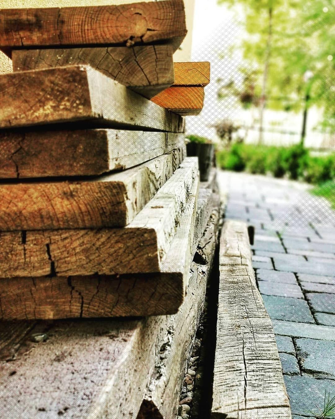Zur Zeit Komme Ich Leider Wenig Dazu Mich Um Holzprojekte Zu Kummern Die Fundamente Fur Mein Carport Nehmen Viel Mehr Zeit In Anspruch A In 2019 Diy Pallet Furniture Stenciled Table