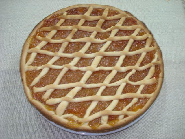 Pasta Frola con dulce de membrillo. Receta tradicional de sur América (Argentina y Uruguay)