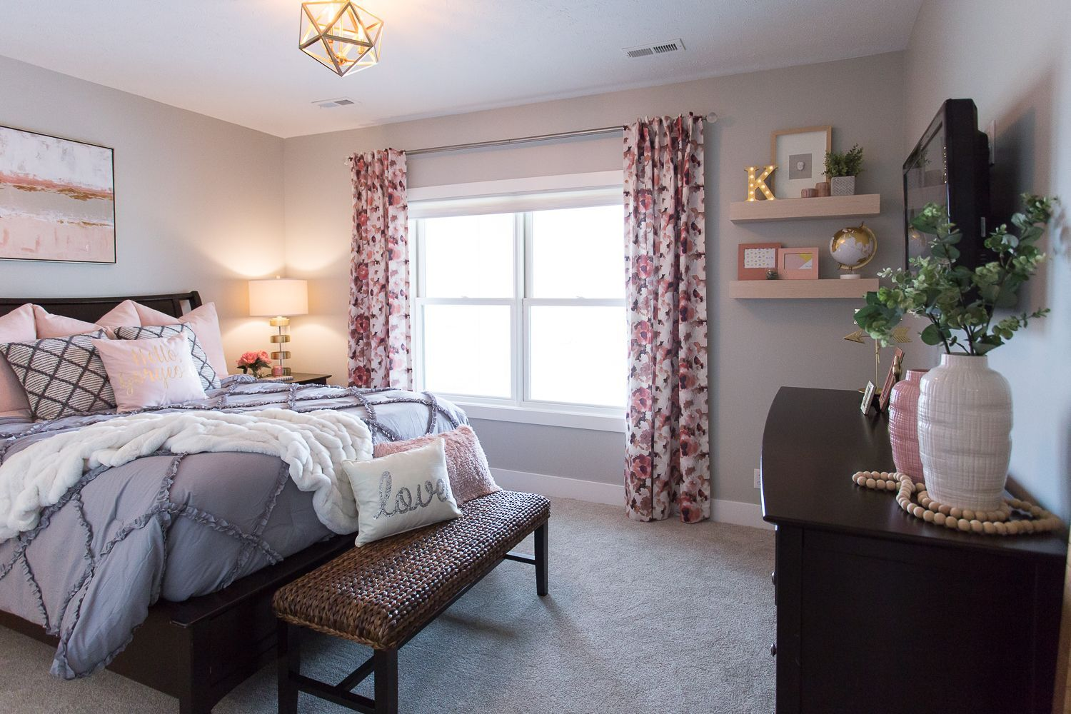 Teenage Girl S Soft Pink Grey And Cream Bedroom Sophisticated Elegant And Something This 13 Year O Pink Bedroom Decor Pink Bedroom Walls Pink Bedroom Design