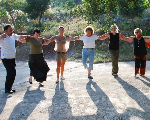 Alle Sinne auf Kreta entfalten - mit Tanzen, Wandern, Malen, Yoga, Kochkursen, Griechisch-Kurs