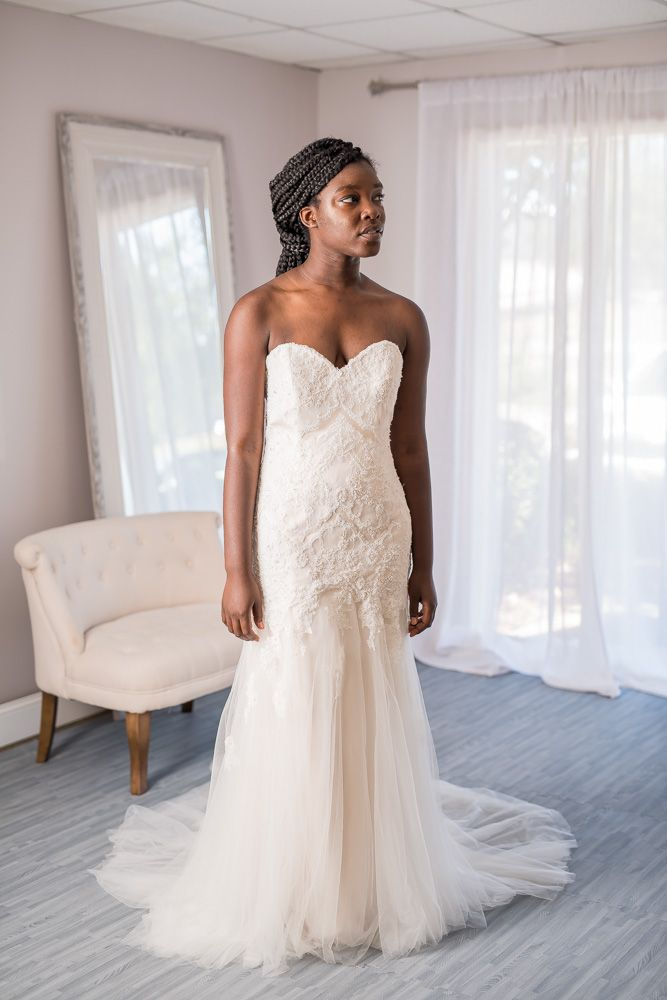 Enzoani blue islesboro new never worn for sale on borrowing wedding dress junglespirit Image collections