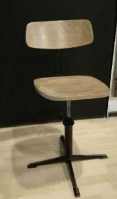 3 lábú fa műhely szék