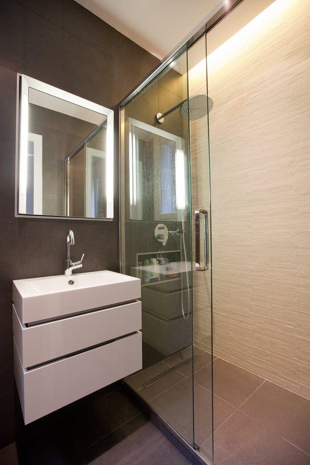 Petite salle de bains calme et graphique salle d eau en 2019 pinterest salle petite salle - Salle de bain buanderie plan ...