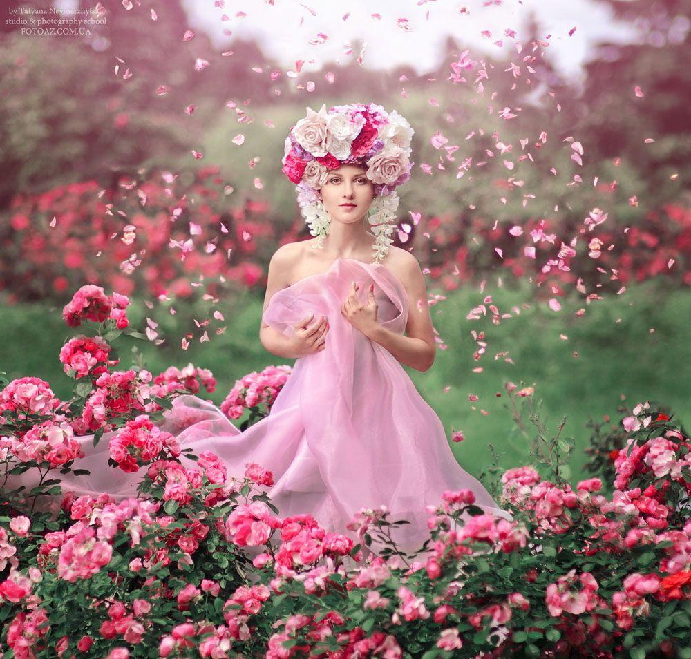 Очаровательная девушка candu rose