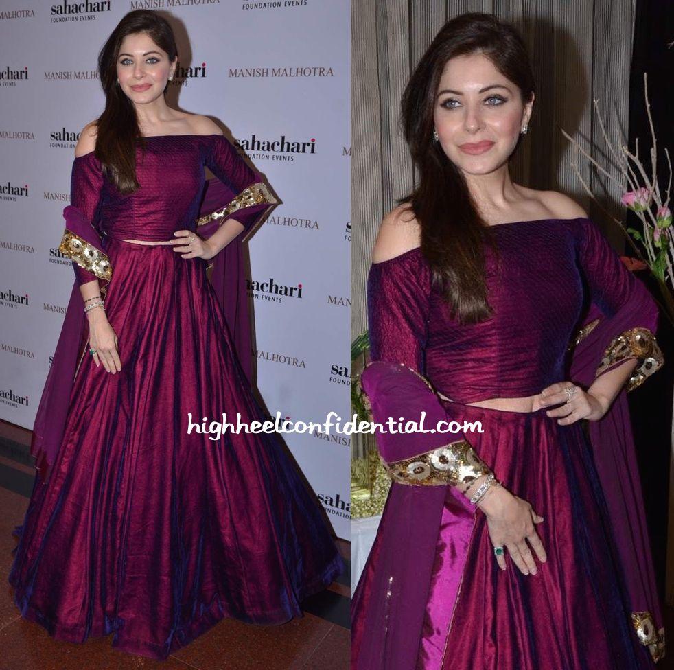 Kanika Kapoor In Manish Malhotra At The Designer\'s Show For ...