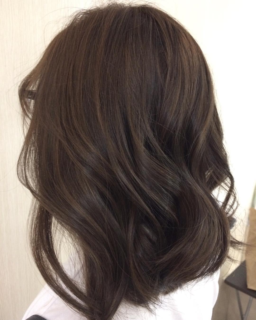 толстого холодный темно коричневый цвет волос фото девушки кажутся