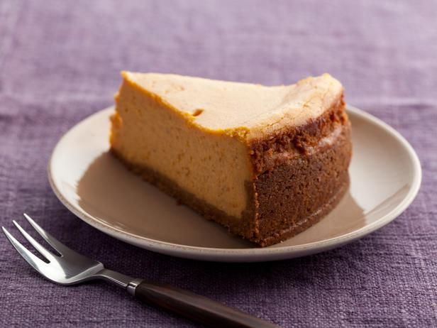 Pumpkin Cheesecake Recipe. Need to make this for Mom sometime :)