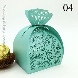 Discount Crown Favor Boxes ring diamond Green Scarlet Hollow Wedding Favor Gift Box Holders Candy Boxes Crown Favor Gift Candy Boxes Chocolate Candy Bags Hollow Out Laser Cut Boxes