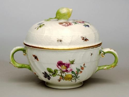 ; Meissen Porcelain Manufactory; Tureen, 18th century