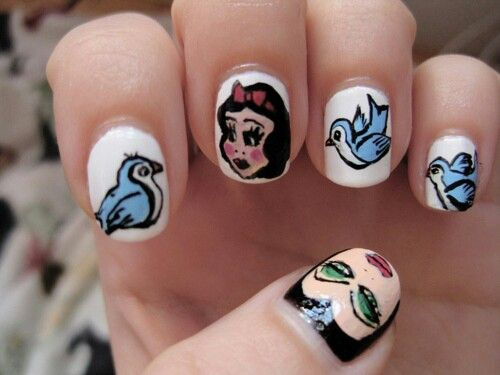 Snow White nail design
