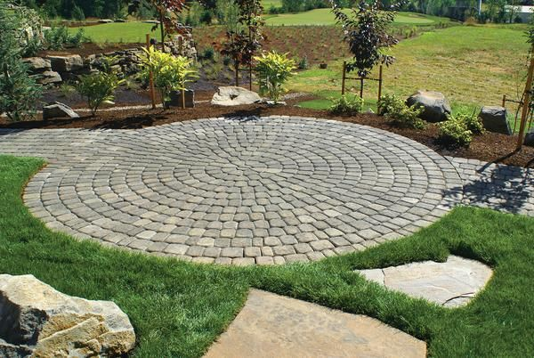 Old Dominion Circle Kit 39 27 Sq Ft Concrete Paver Patio Pavers Design Backyard Landscaping Backyard