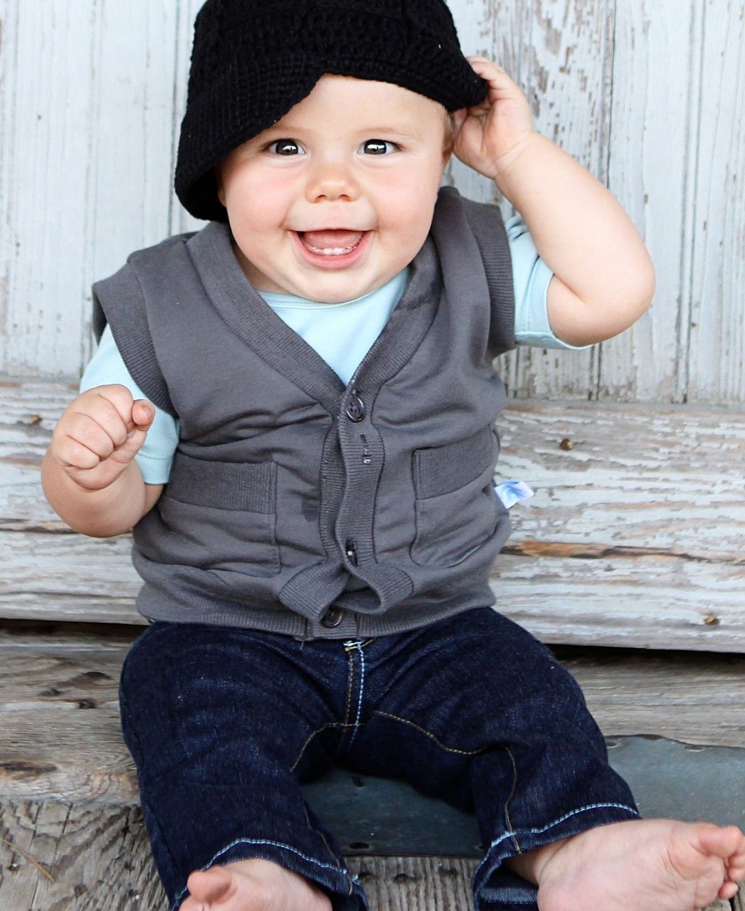 RuggedButts.com - Gray Knit Button Down Vest