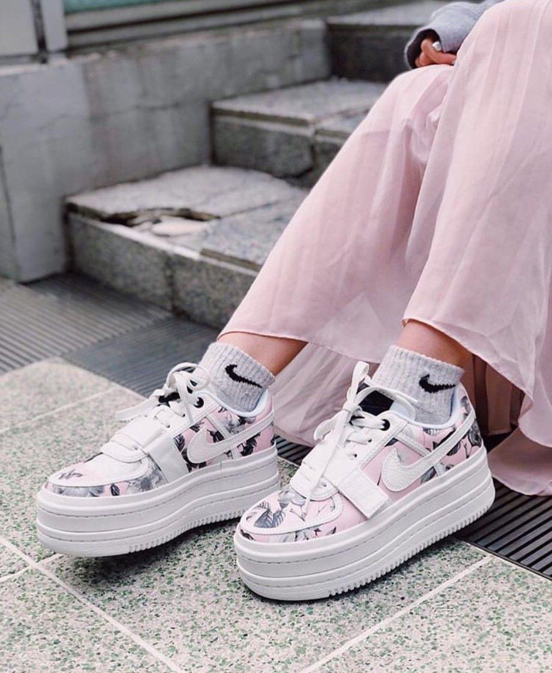 Platform sneakers, Van dal shoes