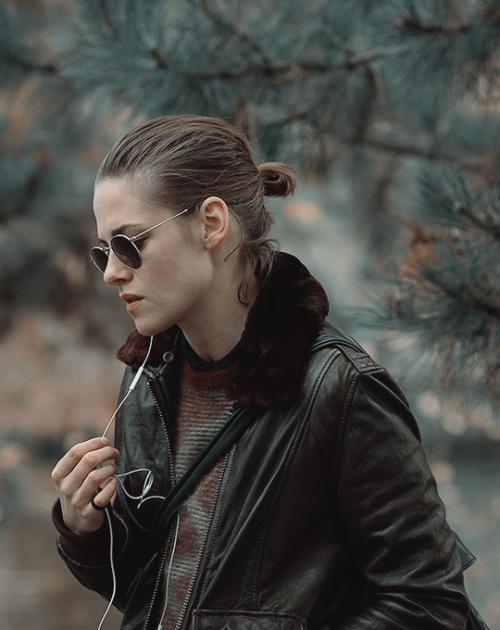 Tumblr Kristen as Maureen in Personal Shopper