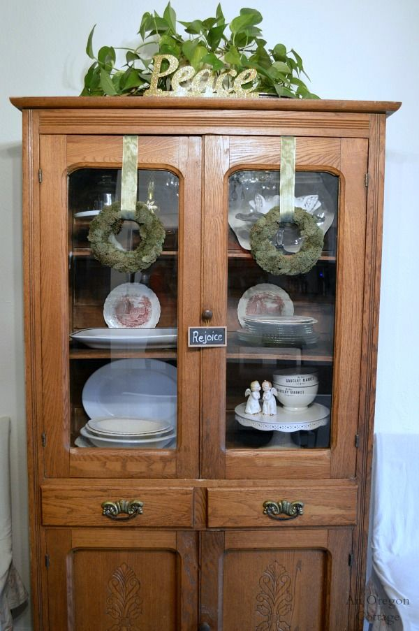 High Quality Christmas Decorating  Antique China Cabinet
