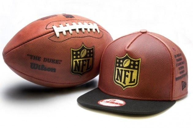 21727cd10f Football  new-era-x-wilson-limited-edition-9fifty-snapback-1
