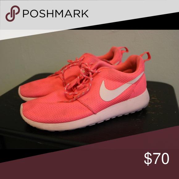 ca09d564a8ec Nike Roshe Run Description  Nike Roshe run in colorway  hot punch storm pink