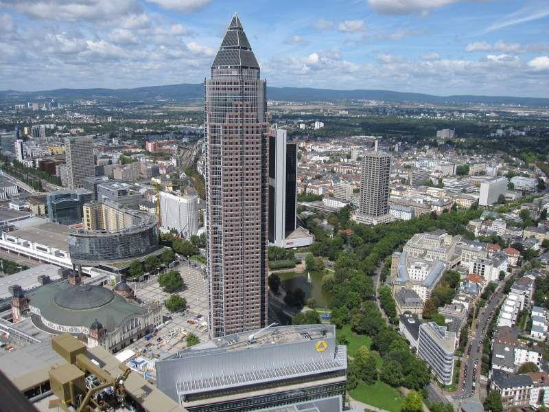 Blick Uber Frankfurt Mit Messeturm Und Weitere Fotos Von Der Frankfurter Skyline Frankfurt Skyline Fotos